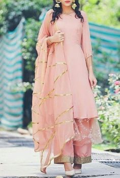 Haute spot for Indian Outfits. Indian Attire, Indian Outfits, Indian Suits Punjabi, Pakistani Suits, Red Lehenga, Lehenga Choli, Sharara, Anarkali, Indian Designer Suits