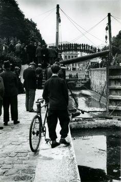 Curage du Canal Saint Martin, 1929. Paris Photo André Kertész