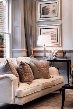 #home #decoration #accessory #homeappliances #women #vase #landscape #gardening #flowers #colorful #art #architect