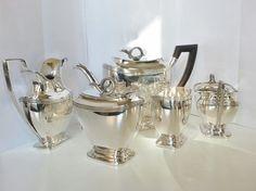 Online veilinghuis Catawiki: Vijfdelig zilveren theeservies in Empire-stijl, Gerrit Regtdoorzee Greup, Schoonhoven, 1911