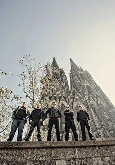 Kryn band photo #kryn #krynofficial #metal #modernmetal #metalmusic #krynband #bandphoto #photoshoot #outdoors  www.facebook.com/krynofficial Band Photos, Metal Bands, Croatia, Mount Rushmore, Outdoors, Photoshoot, Mountains, Facebook, Modern