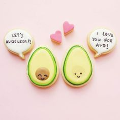 Happy Friday! I made these cookies based on the most adorable avocuddle illustration by @queeniescards! Check out her feed for more puns and cuteness by vickiee_yo