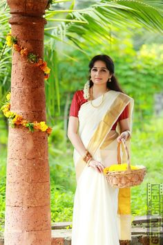 Actress Aavaana new malaiyala Saree Look Actress Aavaana 2017 latest Cute Images Beautiful Girl Indian, Beautiful Girl Image, Beautiful Saree, Beautiful Indian Actress, Beautiful Wife, Beautiful Ladies, Onam Saree, Kasavu Saree, Indian Photoshoot