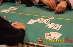Manfaat Menaikkan Jumlah Taruhan Saat Bermain Poker Online - Pada artikel kali ini agen poker online akan menjelaskan sedikit keuntungan ataupun manfaat yang bisa kamu gunakan saat menaikkan jumlah taruhan dalam permainan poker online, menaikkan jumlah taruhan atau yang dikenal sebagai Raise Bet dalam permainan ini sangat bermanfaat jika kamu melakukan di saat yang tepat, untuk itu mari kita simak penjelasan lebih lengkapnya dibawah ini. Poker Online, Poker Table, Triangle, Decor, Dekoration, Decoration, Poker Table Top