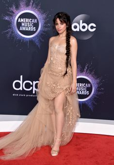 Selena Gomez, Billy Porter, Taylor Swift, Lizzo and Billie Eilish make the list of the best dressed stars at the 2019 American Music Awards. Christina Aguilera, Camila Cabello Style, American Music Awards 2019, Shawn And Camila, Fangirl, Lany, Red Carpet Looks, Red Carpet Dresses, Hollywood Celebrities