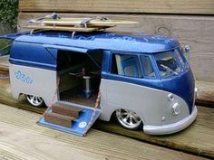 Hasegawa VW van with opening door and lowered. Volkswagen Transporter, Volkswagen Bus, Vw Kombi Van, Kombi Home, Vw T1, Vw Camper, Kombi Trailer, Kombi Motorhome, Vw Bugs