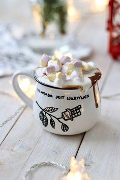 Gorąca czekolada przepis | PrzepisyTradycyjne.pl Chocolate Dreams, Hot Chocolate, Coffee Deserts, Delicious Desserts, Dessert Recipes, Vintage Sweets, Winter Drinks, Food Journal, Diy Food