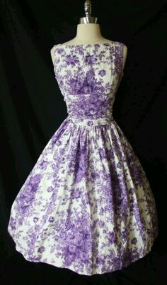 Love this for one if the events during the celebration/family/week leading up to the wedding Chic Vtg Cotton GARDEN Party DRESS Wedding Cocktail DANCE Swing Pretty Outfits, Pretty Dresses, Beautiful Outfits, Plum Dresses, Modest Dresses, 1950s Fashion, Vintage Fashion, Vintage Style, Retro Vintage