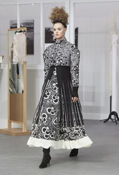 Chanel-Haute-Couture-Fall-2016-Runway-Show64