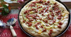 Pizza in teglia con patate e salsiccia di Nora