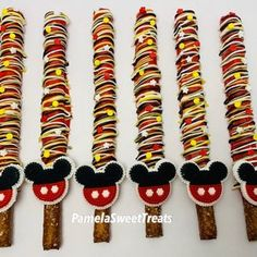 Mickey Mouse Desserts, Mickey Mouse Party Favors, Mickey Mouse Cookies, Mickey Mouse Decorations, Mickey Mouse Baby Shower, Mickey Mouse 1st Birthday, Royal Icing Decorations, 2nd Birthday, Mickey Mouse Food