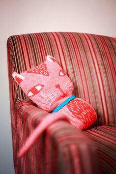 I want this cat pillow badly. Crazy Cat Lady, Crazy Cats, Cat Pillow, Cat Crafts, Soft Sculpture, Textiles, Wild Hearts, Kids Decor, Softies