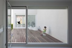 Image 7 of 16 from gallery of Syntes House in Pinto / dosmasuno arquitectos. Photograph by Miguel de Guzmán Contemporary Architecture, Architecture Details, Glass Partition, Modern Glass, Outdoor Areas, Detached House, Home And Garden, Exterior, House Design