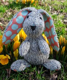 Edmund the Easter Bunny by Jemma Weston freebie, thanks so xox Link here: http://www.woolandbuttons.co.uk/userfiles/Bunny.pdf