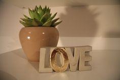 Buchstaben & Schriftzüge - LOVE Deko-Objekt - ein Designerstück von BetonForm bei DaWanda