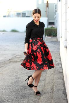 furry sandals, red and black full skirt #ootd