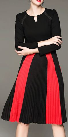 Long Sleeve Color Block Pleated Dress