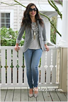 HOW TO PUT TOGETHER A CASUAL BLAZER OUTFIT