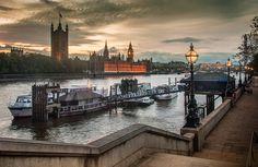 """Westminster 9:06"" London"