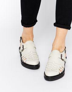 Imagen 1 de Zapatos en punta de cuero con aberturas MONNE de ASOS