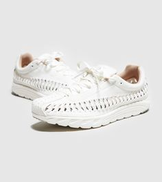 separation shoes 434f1 0805b Nike Mayfly Woven Women s - find out more on our site. Find the freshest in