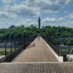 Looking across the #high_bridge.  #photography #manhattan #bronx #new_york_city #nyc #nyc_parks #newyorkcity #newyorkcityparks #nycparks #architecture #cityscapes #streetscapes #streetphotography #thebronx #bronxart #bronxbestshots #picsher #Highbridge   A great walk on a beautiful day.  The views are fantastic.  A big thank you to all of the people who worked so hard to reopen the bridge.