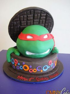 Teenage Mutant Ninja Turtles Cake....now I just need to find someone who could make this!