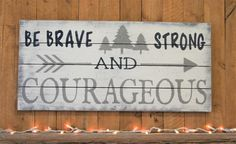 Be Strong And Courageous Pallet Sign Boys Nursery Decor