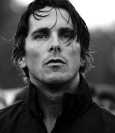 Christian Bale=Christian Grey in my view of Fifty Shades of Grey. Batman Begins, Christian Grey, Batman Christian Bale, Pretty People, Beautiful People, Photo Portrait, Looks Black, Actrices Hollywood, Famous Faces