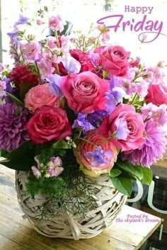 Beautiful Rose Flowers, Wonderful Flowers, Good Morning Flowers, Beautiful Flower Arrangements, Happy Birthday Flowers Wishes, Birthday Wishes And Images, Wooden Box Centerpiece, Centerpieces, Happy Friday Pictures
