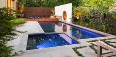 Bellissima piscina dal design moderno n.12