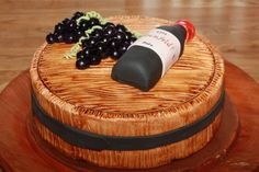 Wine barrel, grapes and bottle. All edible. Designed and executed by Silvia Ramsvik Sugar Paste, Novelty Cakes, Fondant, Barrel, Wine, Bottle, Sugar Pie, Fondant Icing, Flask