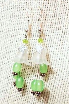 Flower Dangle Earrings-Green Grape by Willows3Creations on Etsy