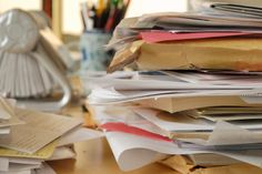 speed is KEY to decluttering. If you hesitate you will end up keeping stuff!