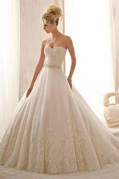 Winter Wedding Gowns - Winter Wedding Dresses | Wedding Planning, Ideas  Etiquette | Bridal Guide Magazine