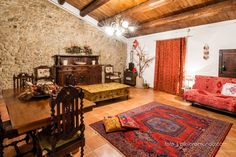 Larino B&B $72/night - Get $25 credit with Airbnb if you sign up with this link http://www.airbnb.com/c/groberts22