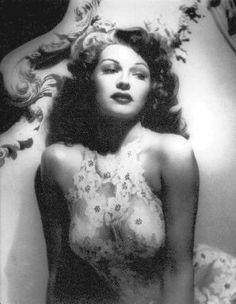 Rita Hayworth- her grace was beautiful