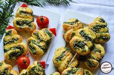 Aperitive braduti din foietaj si spanac Bruschetta, Ethnic Recipes, Food, Eten, Meals, Diet