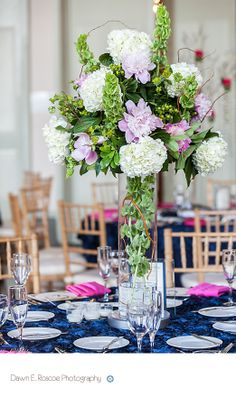 Lovely #green, pink and white flower #weddingcenterpiece for summer.