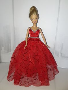 Barbie, Evening Gowns, Aurora Sleeping Beauty, Disney Princess, Disney Characters, Diy, Creative Crafts, Creativity, Clothing