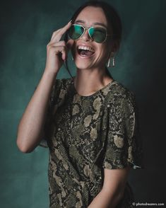 Portrait Shooting Portrait, Cat Eye Sunglasses, Fashion, Wedding, Moda, Headshot Photography, Fashion Styles, Portrait Paintings, Fashion Illustrations