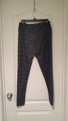 5871bebf3ac24b LULAROE Tall and Curvy (TC) leggings Black Light Blue Paisley EUC #fashion #