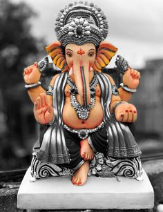 Shri Ganesh Images, Ganesha Pictures, Lord Murugan Wallpapers, Lord Krishna Wallpapers, Ganesh Wallpaper, Lord Shiva Hd Wallpaper, Ganesh Idol, Ganesha Art, Ganpati Bappa Wallpapers