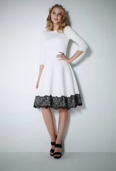 Güpürlü beyazkloş elbise.