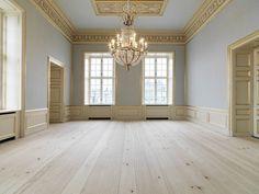 Pine planks at Amalienborg Castle - Dinesen