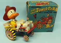 Linemar Fire Chief Donald Duck wind up Metal Toys, Tin Toys, Antique Toys, Vintage Toys, Vintage Stuff, 1980 Toys, Bear Doll, Doll Toys, Children's Toys