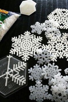 Perler bead Snowflakes ❄ I've gotta try this with one of my besties!!!!
