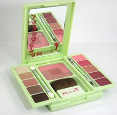 Create the perfect flawless fairy face! Review & Swatches: Pixi Beauty PixiGlow Tinkerbell Fairy Face Palette
