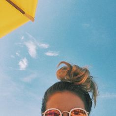 Inspiration: Creative photos by the pool - Urlaubsbilder Inspiration - Praia Cute Photos, Beach Photos, Tumblr Beach Pictures, Beach Tumblr, Creative Photos, Photo Voyage, Story Instagram, Summer Photography, Inspiring Photography