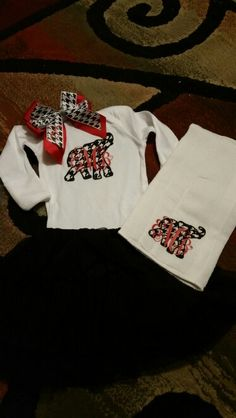 Alabama onsie and burp cloth made with vinyl